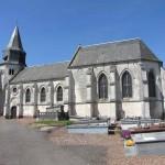 L'église Saint-Pierre du Haut-Loquin possède le plus ancien vestige religieux du département : sa tour présente encore son ancien clocher rond en silex du Xe ou XIe siècle, modifié au XIIe pour lui ajouter des pans en pierre et un étage percé de baies romanes.