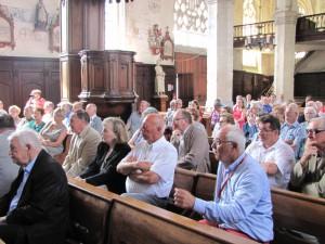 L'assistance ayant rempli la nef de l'église Saint-Martin de Fressin