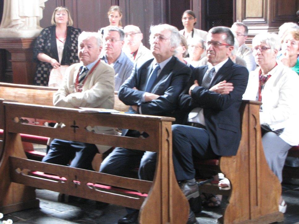 M. Michel Tillie, président d'Eglises ouvertes, M. Jean-Marie Lubret, Conseiller départemental, M. Daniel Percheron, Président de Région, et M. Claude Vergeot, maire de Fressin.