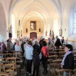 La nef principale de l'église et ses statues dont les plus anciennes sont du XVIIe